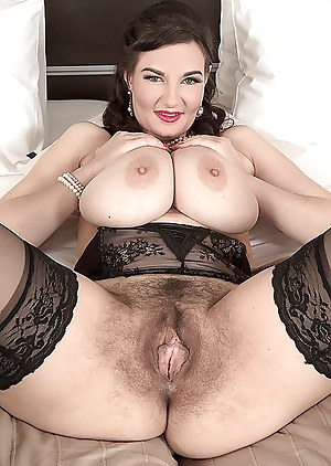 Big Boobs Hairy Pussy Porn Pictures