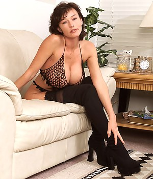 Big Boobs Fishnet Porn Pictures