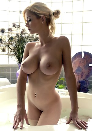 Big Boobs Erotic Porn Pictures