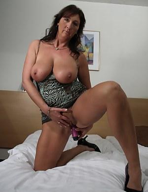 Mature Boobs Porn Pictures