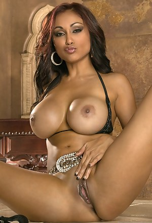 Big Boobs and Pussy Porn Pictures