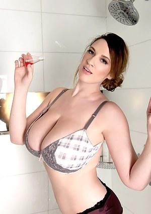 Big Boobs Bra Porn Pictures