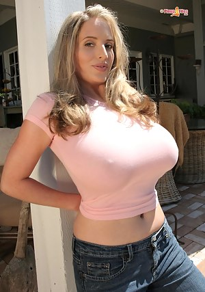 Big Boobs T-Shirt Porn Pictures