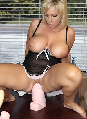 Big Boobs Dildo Porn Pictures