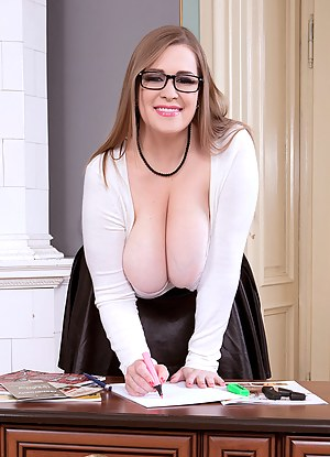 Big Boobs Glasses Porn Pictures